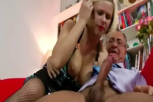 blond in nylons receives off with vibrator