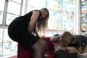 mother teaching daughter how to engulf knob #04