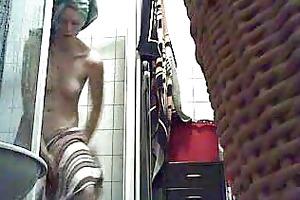hidden cam. my sister in the bath