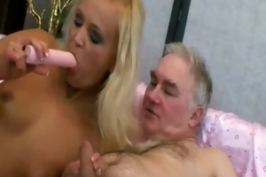 juvenile floozy pleases her sugardaddy with her